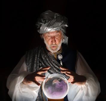 0200-swami_gazing_into_a_crystal_ball.jpg