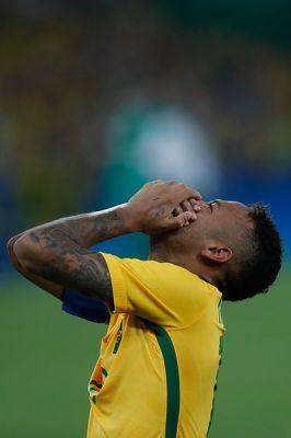 0358-brasil_conquista_primeiro_ouro_olimpico_no_futebol_1039257.jpg