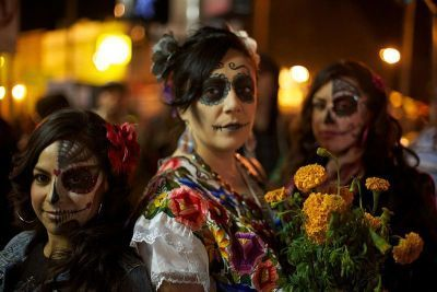 0475-dia_de_los_muertos_celebration_in_mission_district_of_san_francisco.jpg