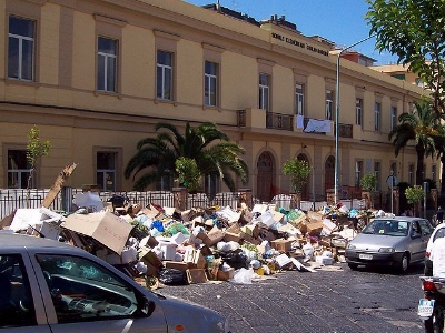 0049-naples_rubbish.jpg