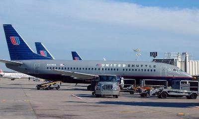 0084-united_shuttle_737.jpg