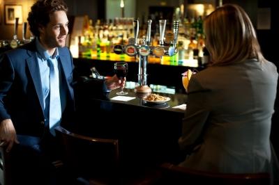 0085-couples_at_bar.jpg