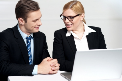 0086-businessman_discussing_with_secretary.jpg