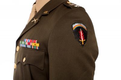0086-us_military_captain.jpg