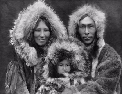 0182-inupiat_family_from_noatak_alaska_1929.jpg