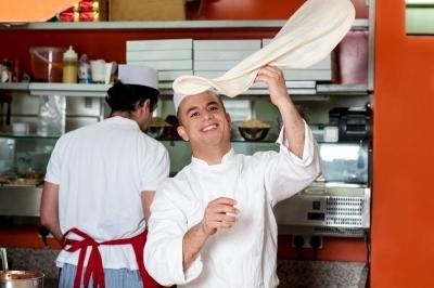 0382-chef_throwing_up_hin_base_dough.jpg