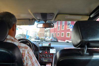0385-lisbon_portugal_(sharon_hahn_darlin)_taxista.jpg