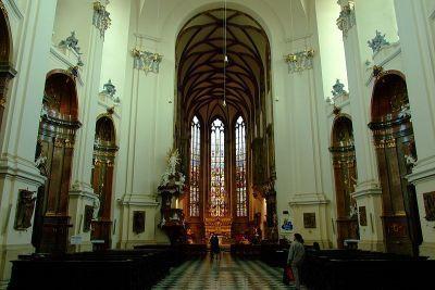 0423-petrov_interier_katedraly.jpg