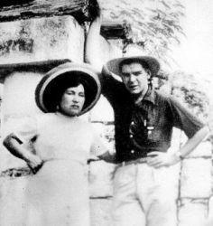 0463-hilda_gadea_y_che_guevara_luna_de_miel_yukatan_1955.jpg