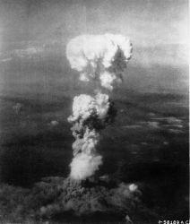 0489-atomic_cloud_over_hiroshima.jpg