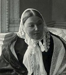 0493-florence_nightingale_photograph_by_millbourn_wellcome.jpg