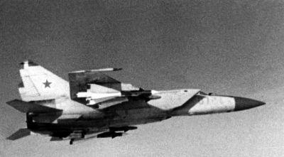 0517-a_soviet_mig-25_foxbat_interceptor_aircraft.jpg